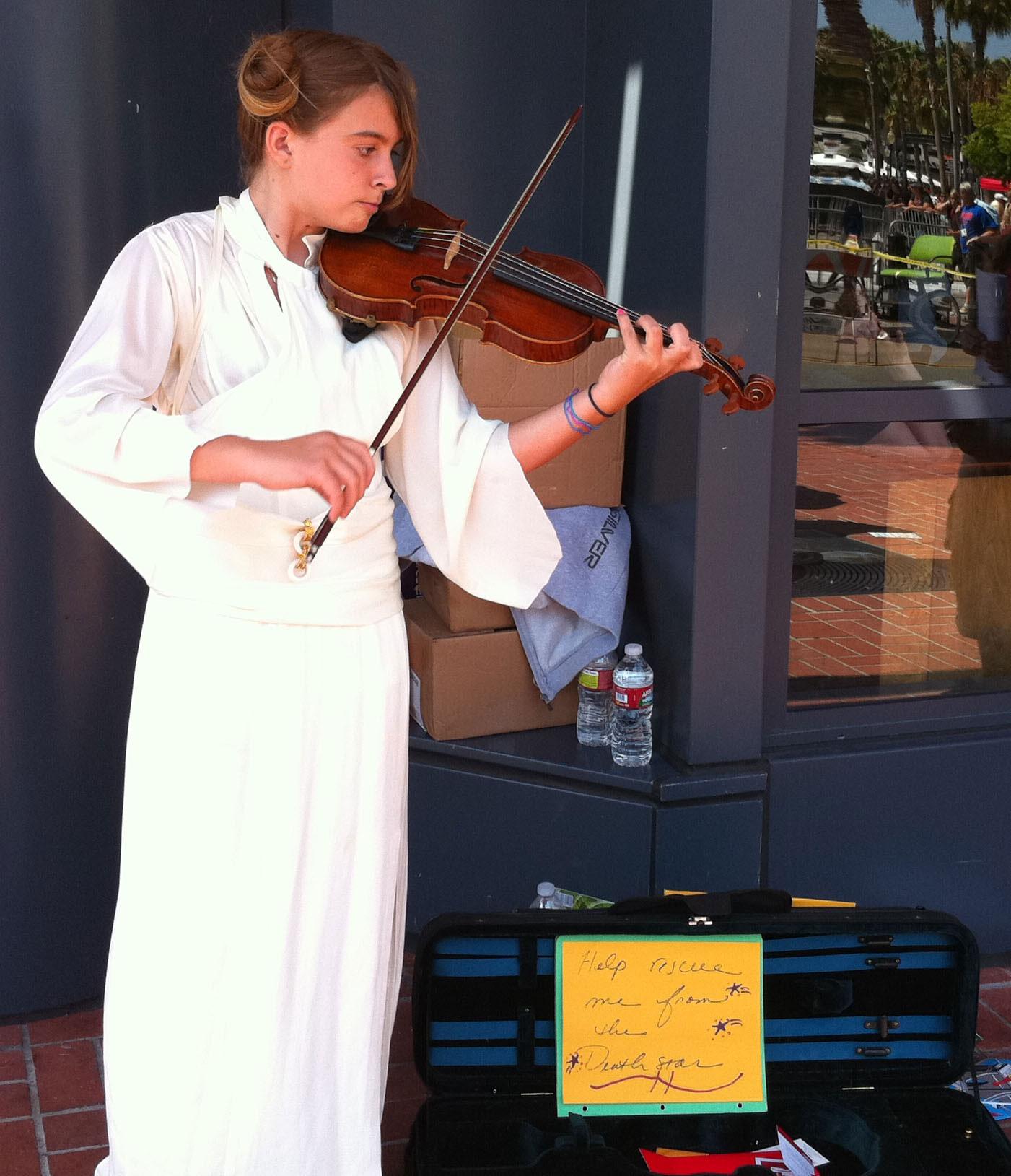 Princess Leah street violinist